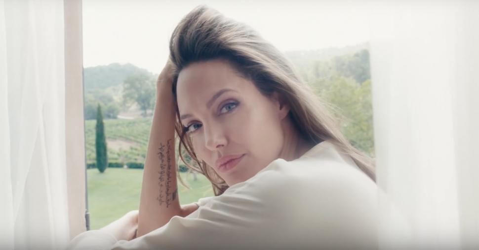 Angelina-Jolie-970x508.png