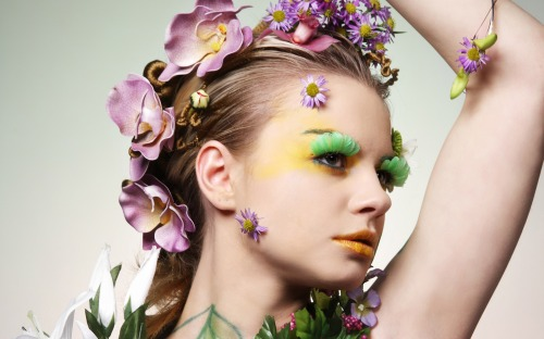 Girls___Models_Model_in_flowers_055356_.jpg